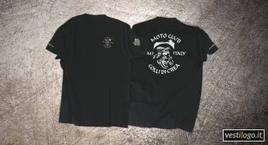 Tshirt colorata con ricami e stampe